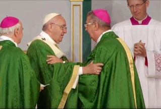 Pope-Francis-and-Archbishop-Diarmuid-Martin